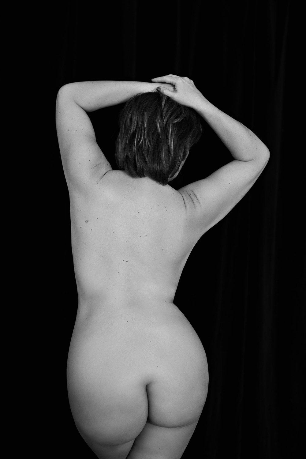curvy woman black and white bodyscape portrait