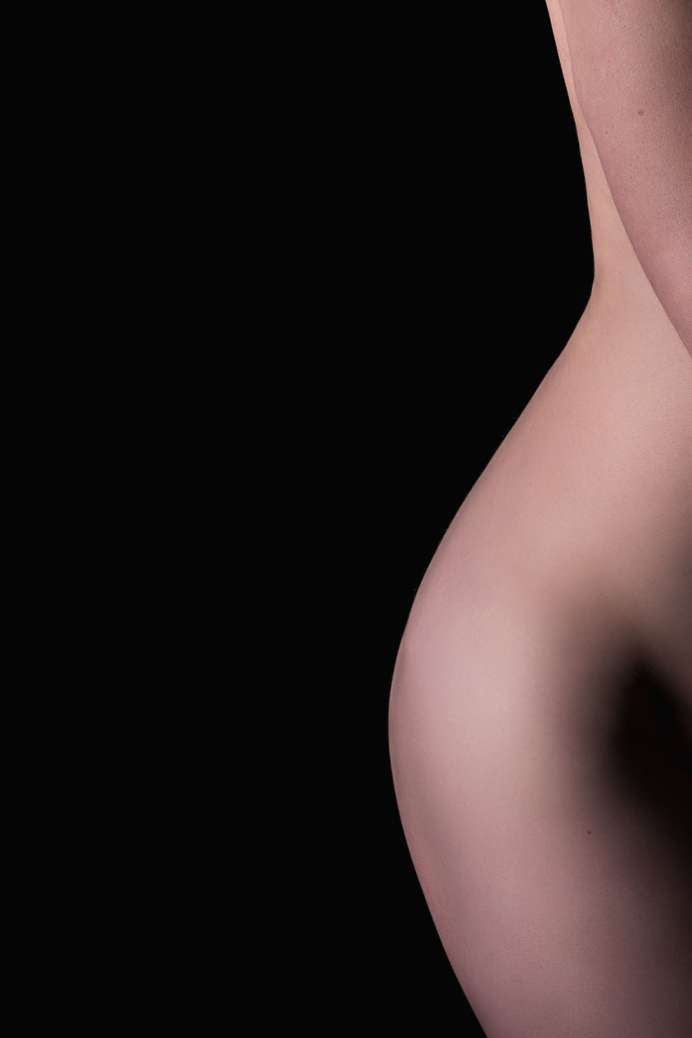 Bodyscape photo of woman's torso