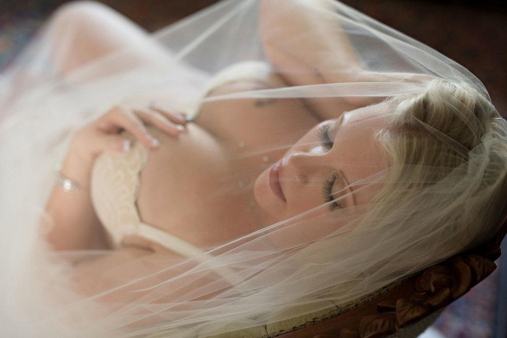 bridal-boudoir-photo-4.jpg