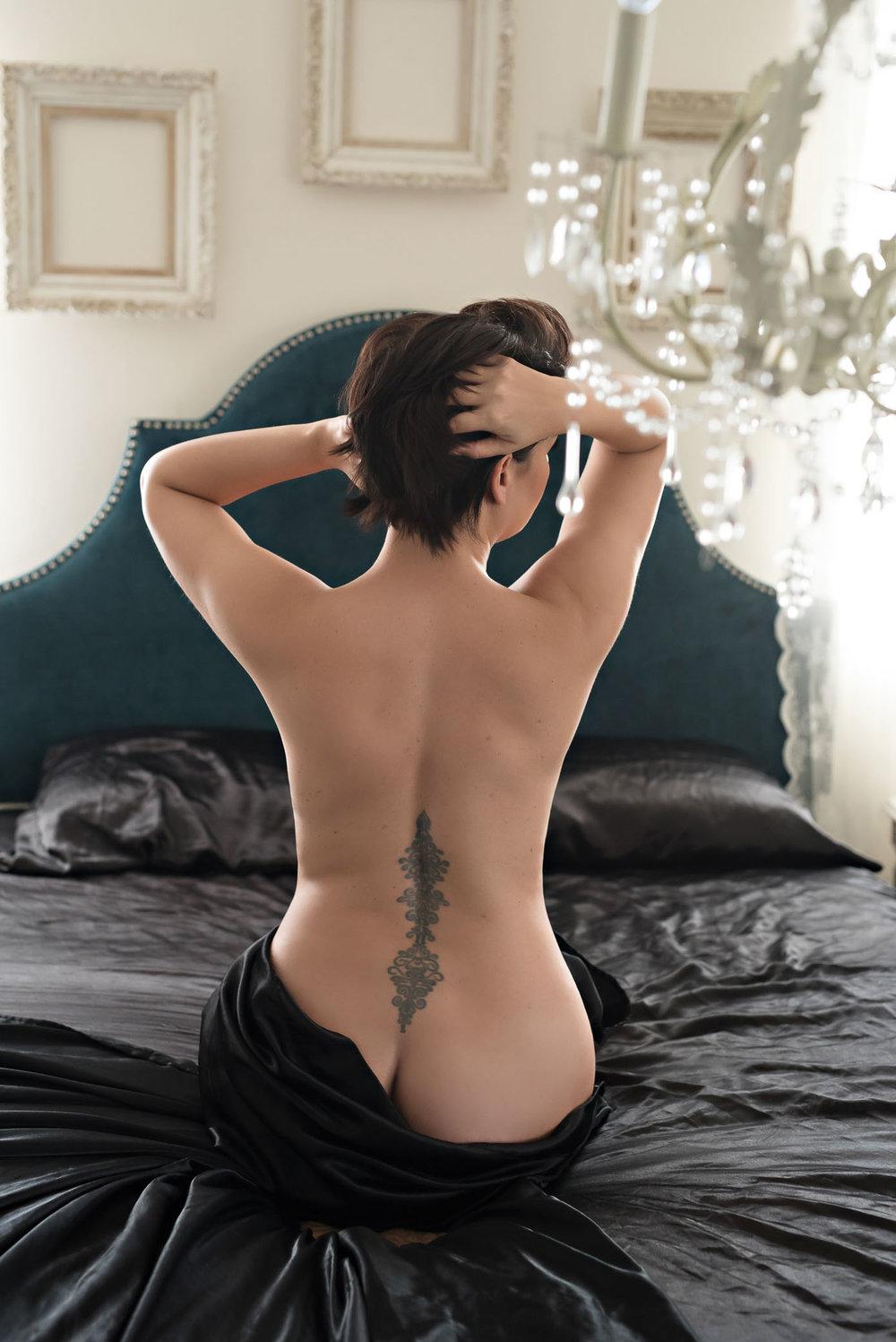 white-sheet-boudoir-51.jpg
