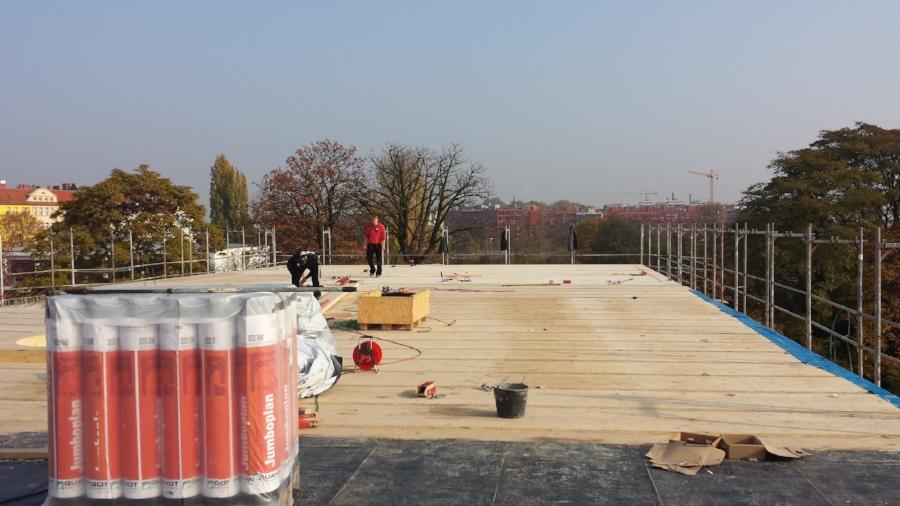 WCB_Baustelle_Dachplatte Hohlkasten.jpg