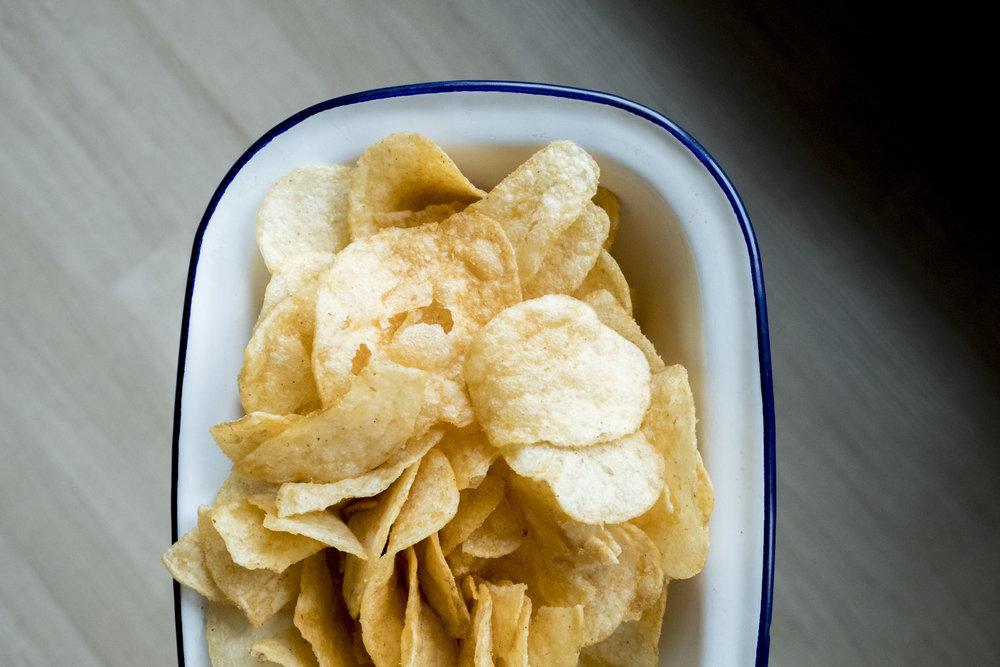 哈哈哈哈,洋芋片好像毒品啊!怎麼戒都戒不掉,怎麼辦啊!!!  拍照順便要吃一包、心情不好要吃一包、月經來之前也要吃一包、無聊也要吃一包⋯⋯
