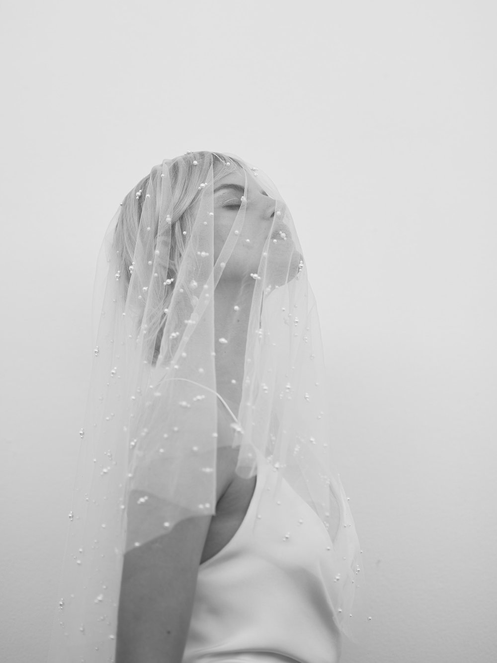 Prea-James-Pearl-veil.jpg
