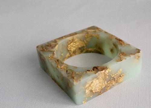 rosella-resin-jewelry-5.jpg