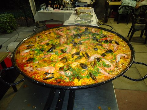 GIANT PAELLA - JUST PART OF THE SPANISH BARBECUE!