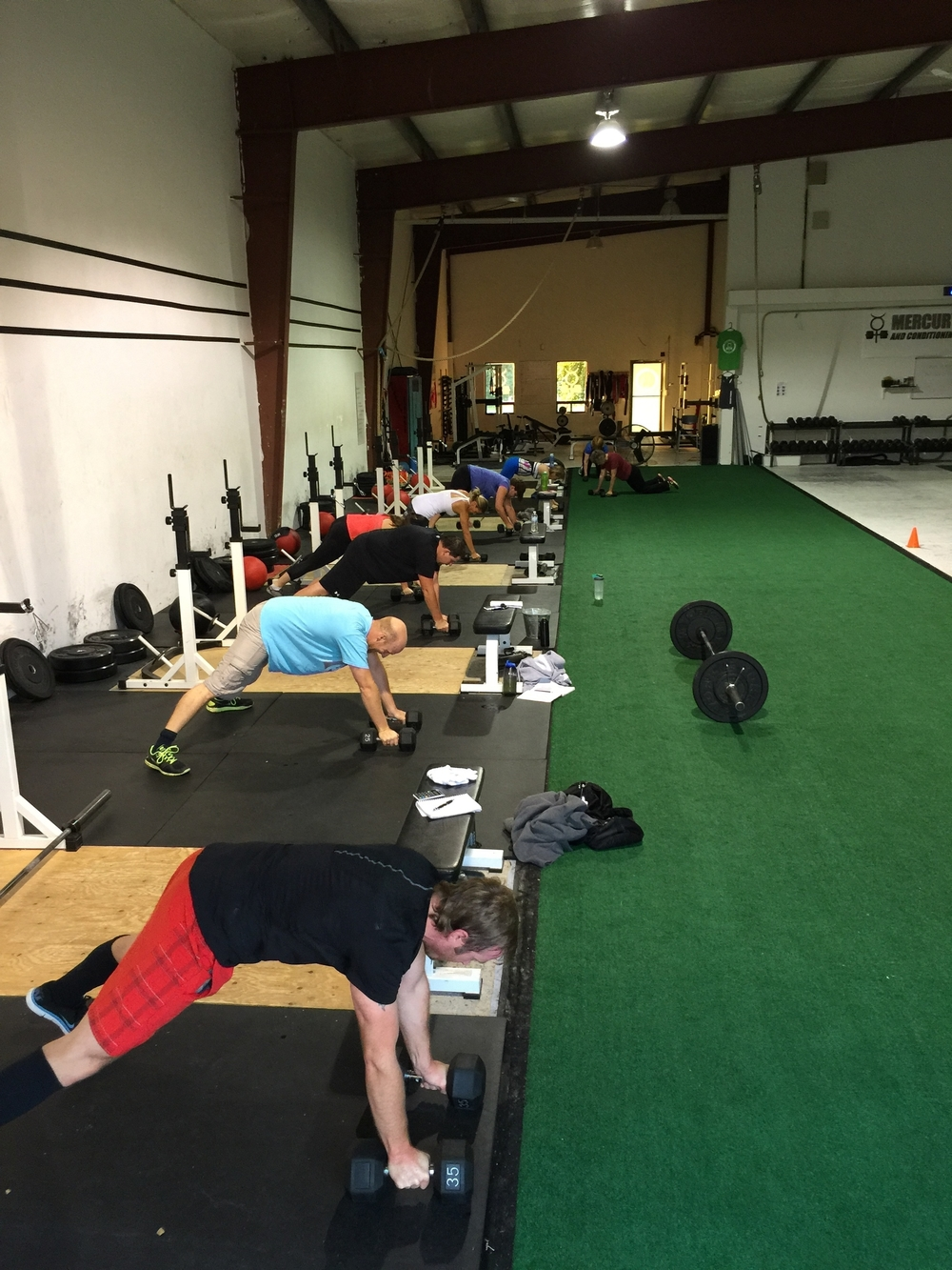 gym-fitness-training-bootcamp-kingston-renegade row