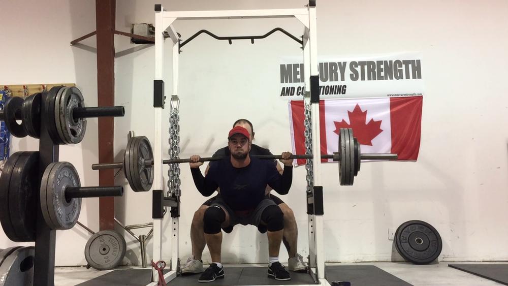 gym-fitness-training-bootcamp-kingston-squat