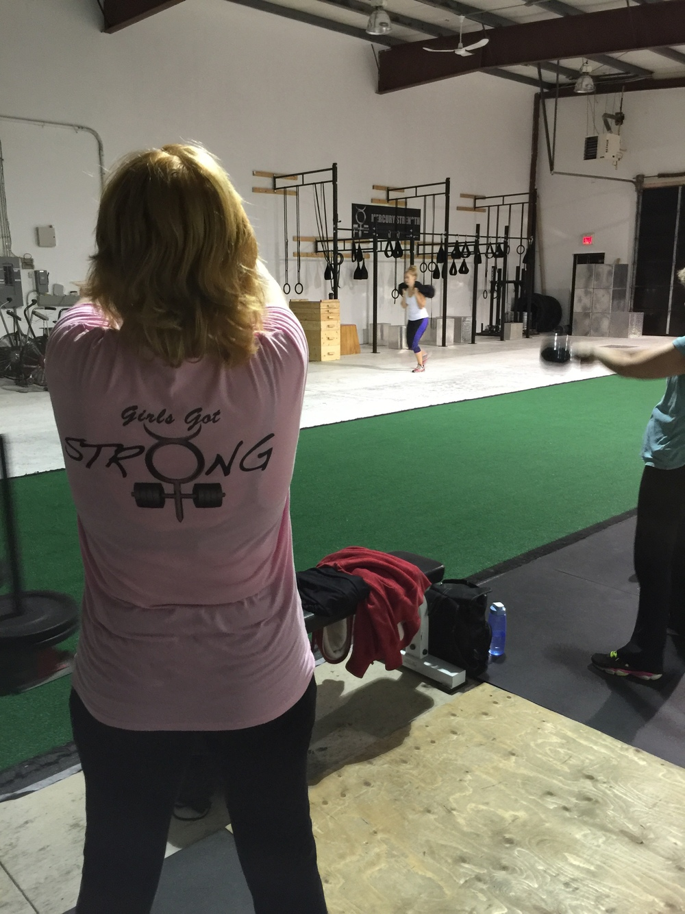 gym-fitness-training-bootcamp-kingston-Shelley kettlebell swing