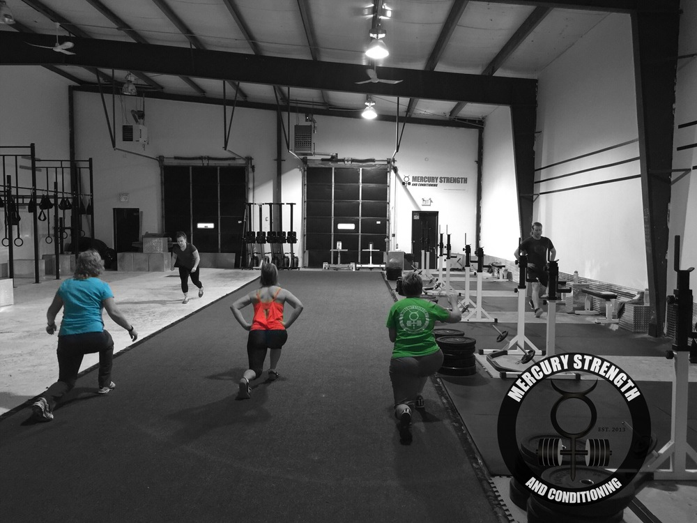 The 06:30 class walking out some lunges.