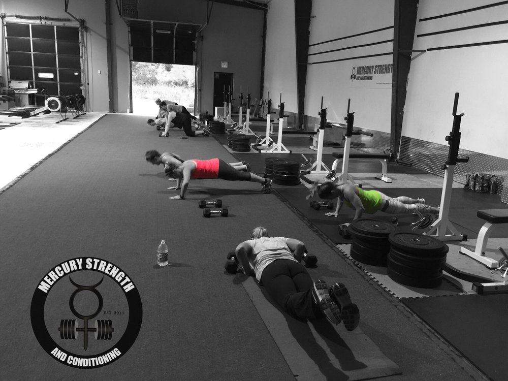 A busy 16:45 class with some manmakers and push-ups.