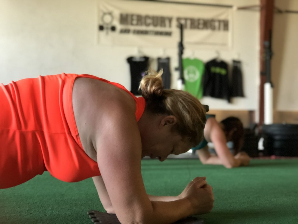 Jo focusing during the plank hold