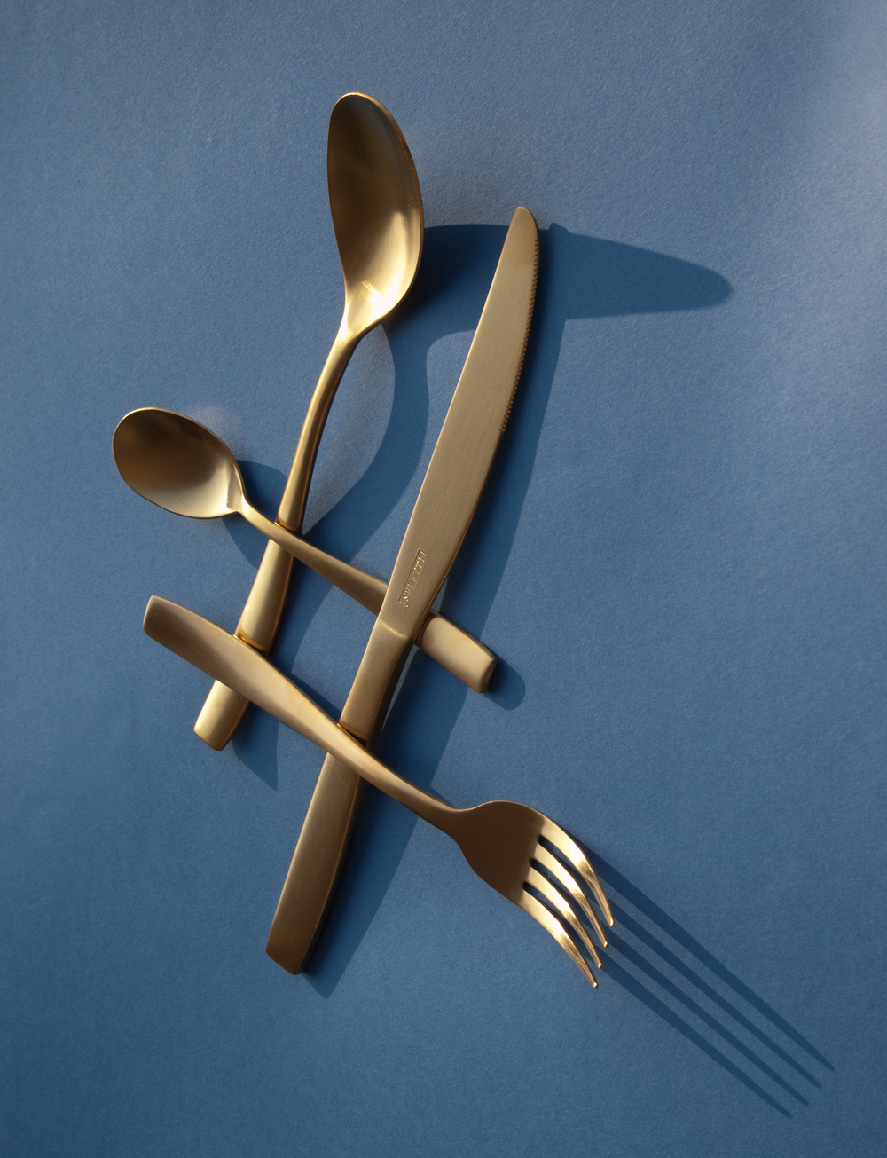 THE MIDAS CUTLERY SET - 24 PIECES