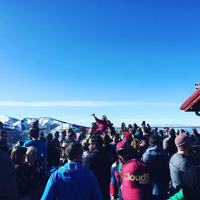 On cloud 9 - literally! #aspen #apresski #cloud9 #partytime #winelover #instawine