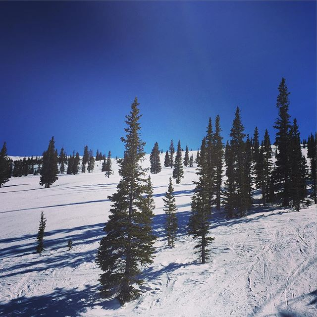 Bluebird Day #aspen #skiing #apresski #winetime #instawine #winelover