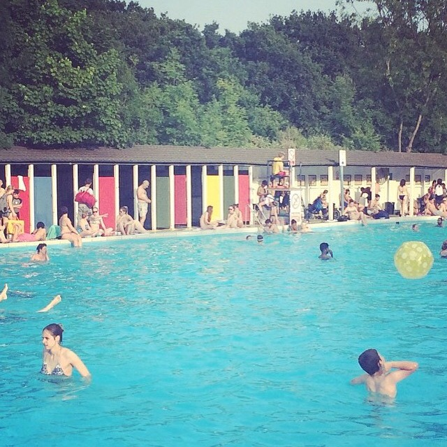 Tooting Lido on a sunny day in July