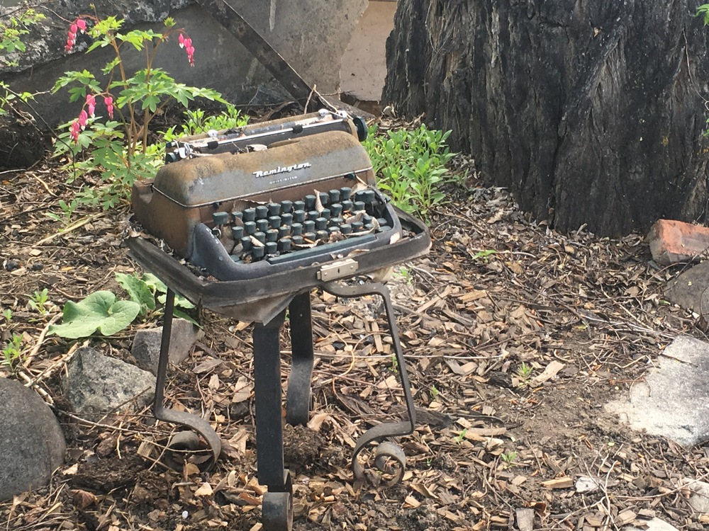 Seems like a good spot for a typewriter