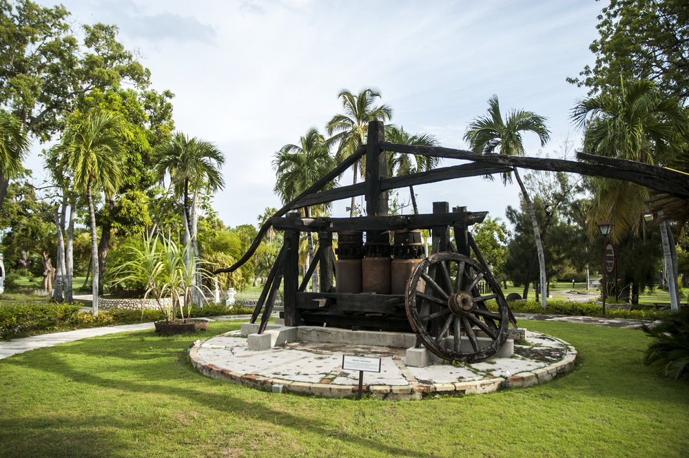 Slave-operated sugar mill
