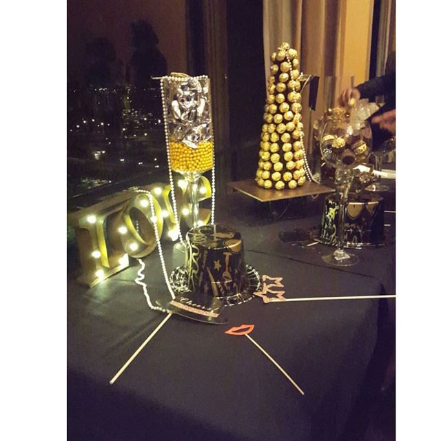 #candybar #details #wedding #eventplanner #flower #decor #arrangements #nye #cateringmadesimple #icaterevents #icatermenu