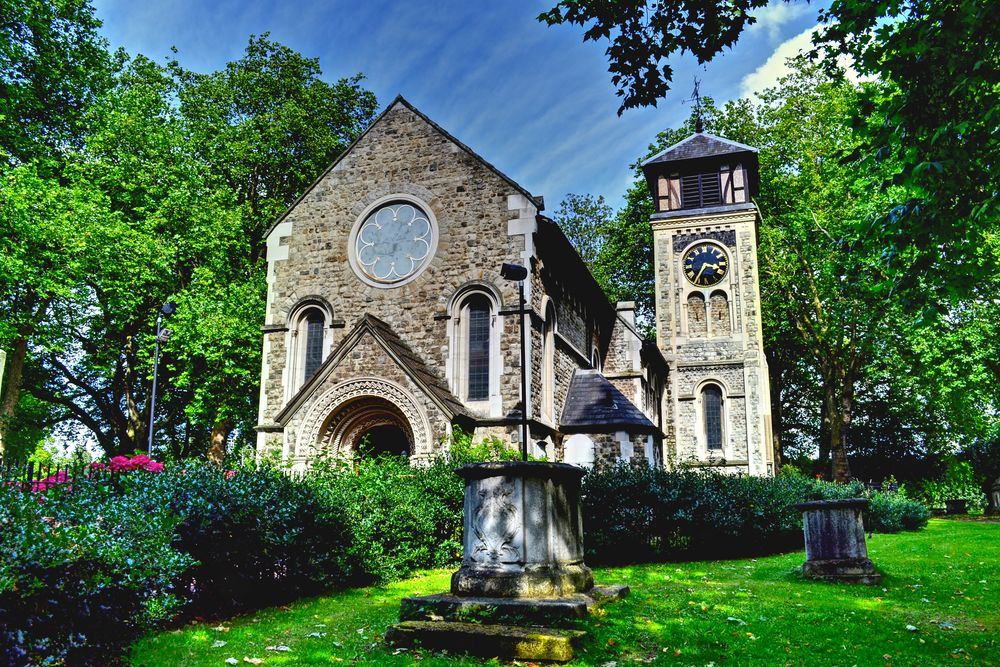 St Pancras Old Church (Kings X) *