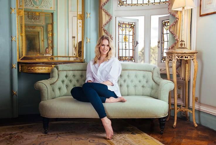Liv Austen sofa.jpg