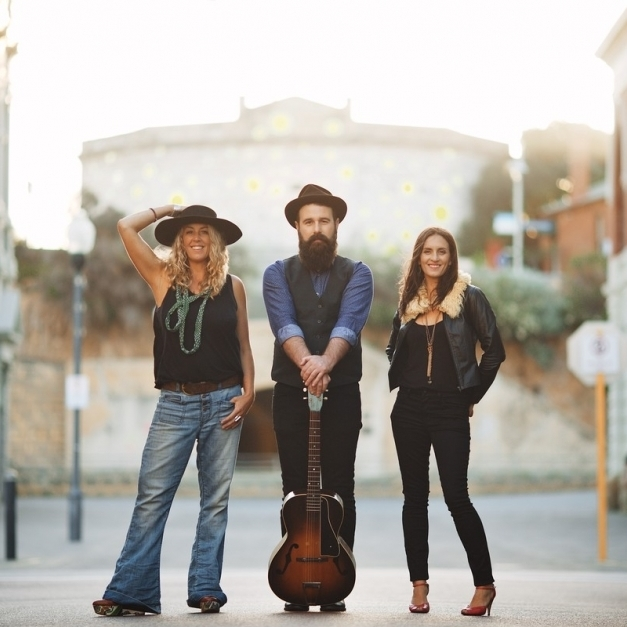 The Waifs (AUS)