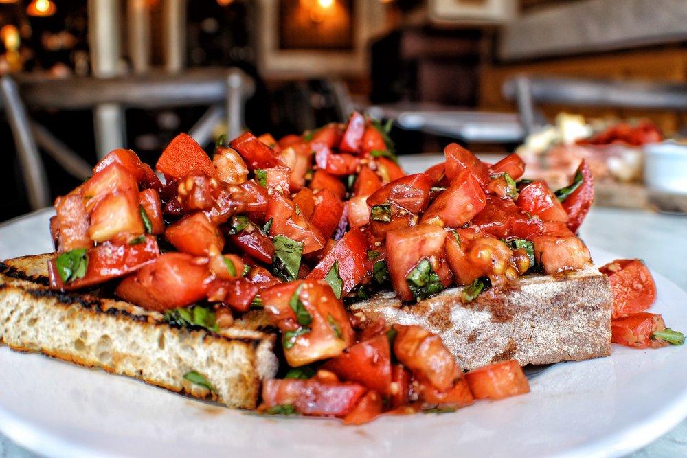 Bruschetta - tomato, basil, olive oil