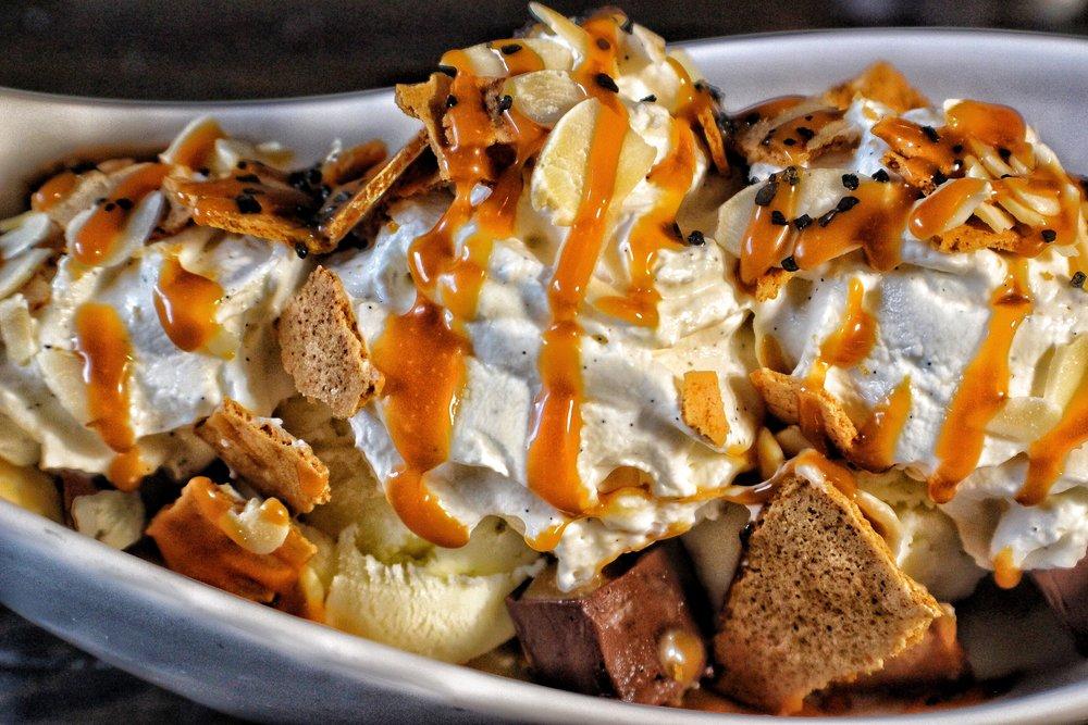 chocolate haupia sundae  almond, graham cracker, coconut ice cream