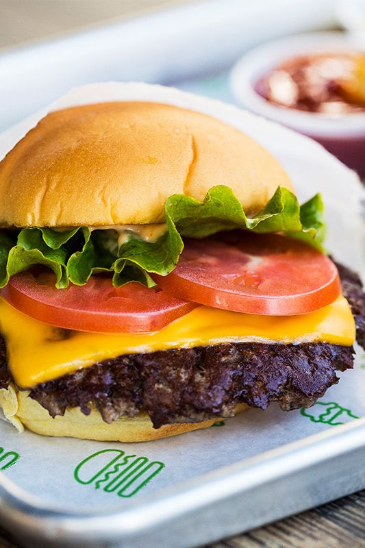 miami_eat_22_ShakeShack_0-small.jpg