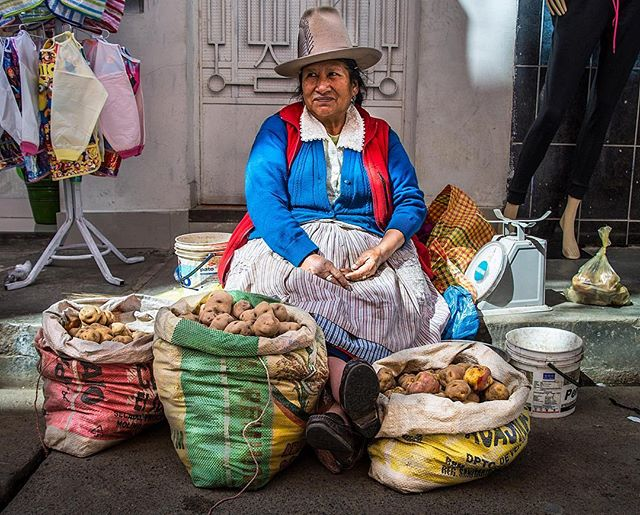 Pensando en ti, Peru. Thinking of this colorful country and its citizens today as stories of devastating flooding spread. I took this shot last year in Huaraz down a narrow alleyway of vegetable vendors peddling their potatoes (and quinoa and peppers and avocados, et al).