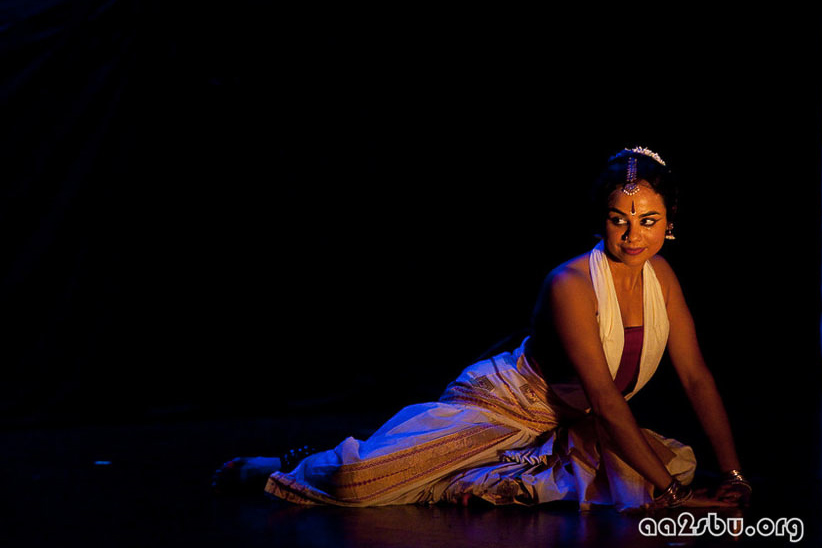 Tejas Luminous,  choreography by Malini Srinivasan | Charles B. Wang Center, NY, 2009 | Photo: Oliver Hao Li