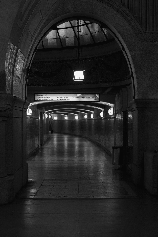 MaikeArmstrong_Berlin_Subway-08.jpg