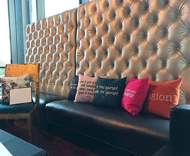 Solace pillow lounge @eiffelsociety Create your own on our site! . . . . #throwpillows #throwpillow #popofcolor #apartmentdecor #livingroomdecor #bedroomdecor #eventdecor #eventdesign