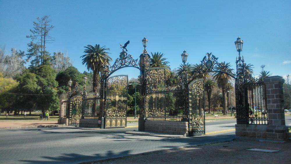 Gates to Parque General San Martin
