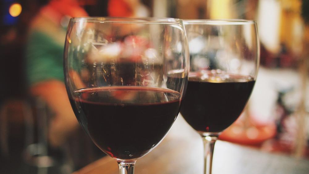 wine-890370_1280.jpg