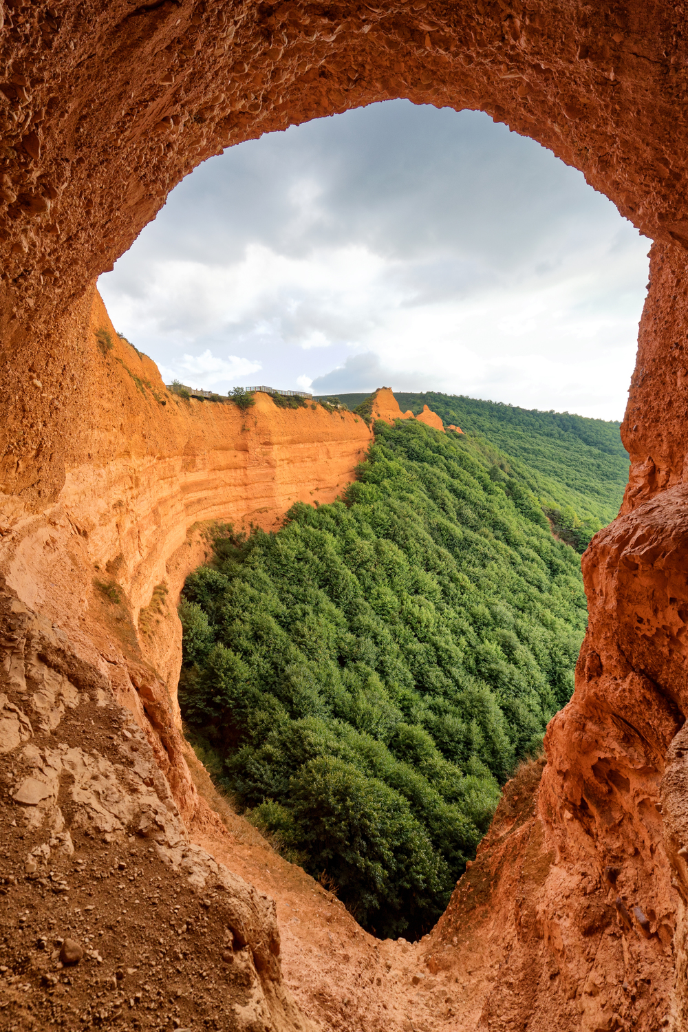 Mine Cave in Las Médulas | Photo Credit: Benoît Lefèvre - Vino2Travel
