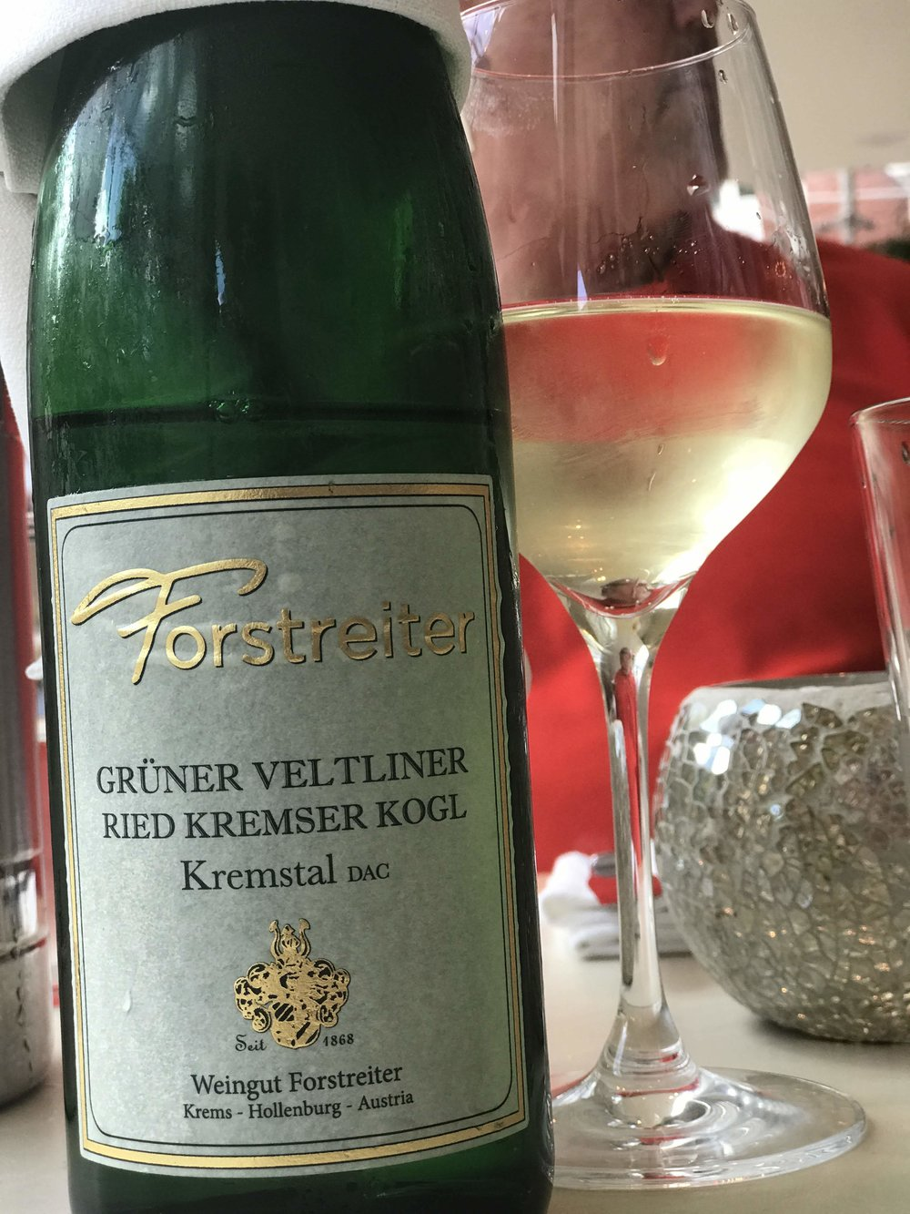 I took him to Tavern on the Green in Central Park for lunch.  The star of the show, other than the crème brulee, was this lovely Austrian Grüner Veltliner.