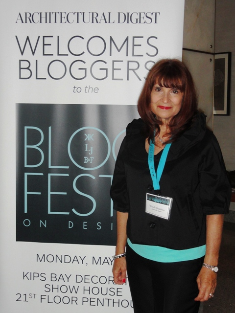 Photo of Wrenda Goodwyn of Spectacular Spaces at Blogfest 2012