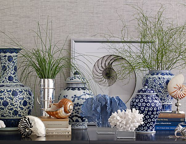 Blues, whites and natural elements are the theme of this tablescape from Williams and Sonoma Home. Photo: Williams and Sonoma Home.