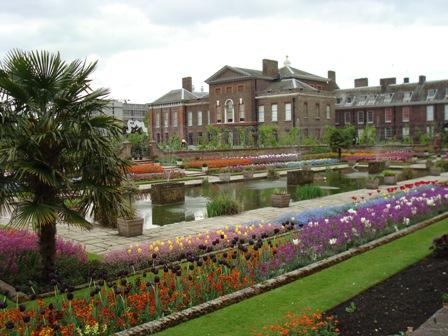 Kensignton Palace Gardens.JPG