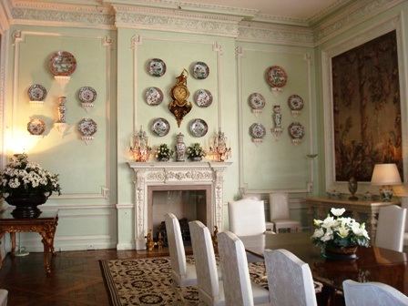 Leeds Castle dining room.JPG