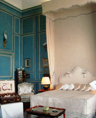 Leeds Castle bedroom.JPG