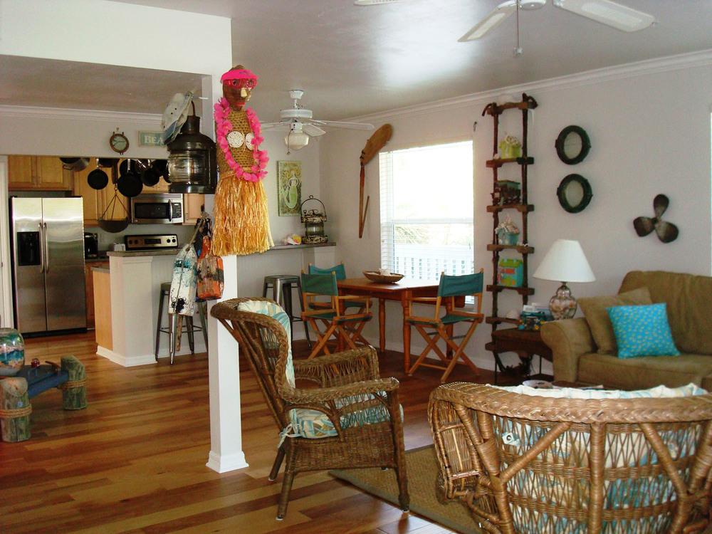 island-beach-house-renovation-open-floorplan-hardwoods-bright-airy-casual-04.jpg