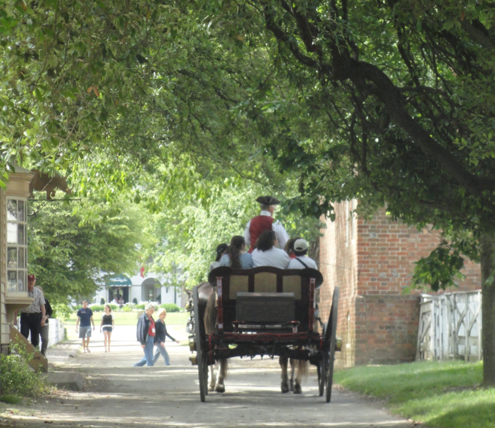 horse-drawn-carriage-on-duke-of-gloucester-street-colonial-williamsburg