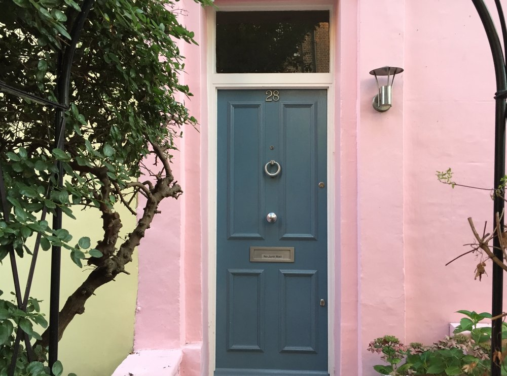blue-door--pink-house-in-Nottinghill-London