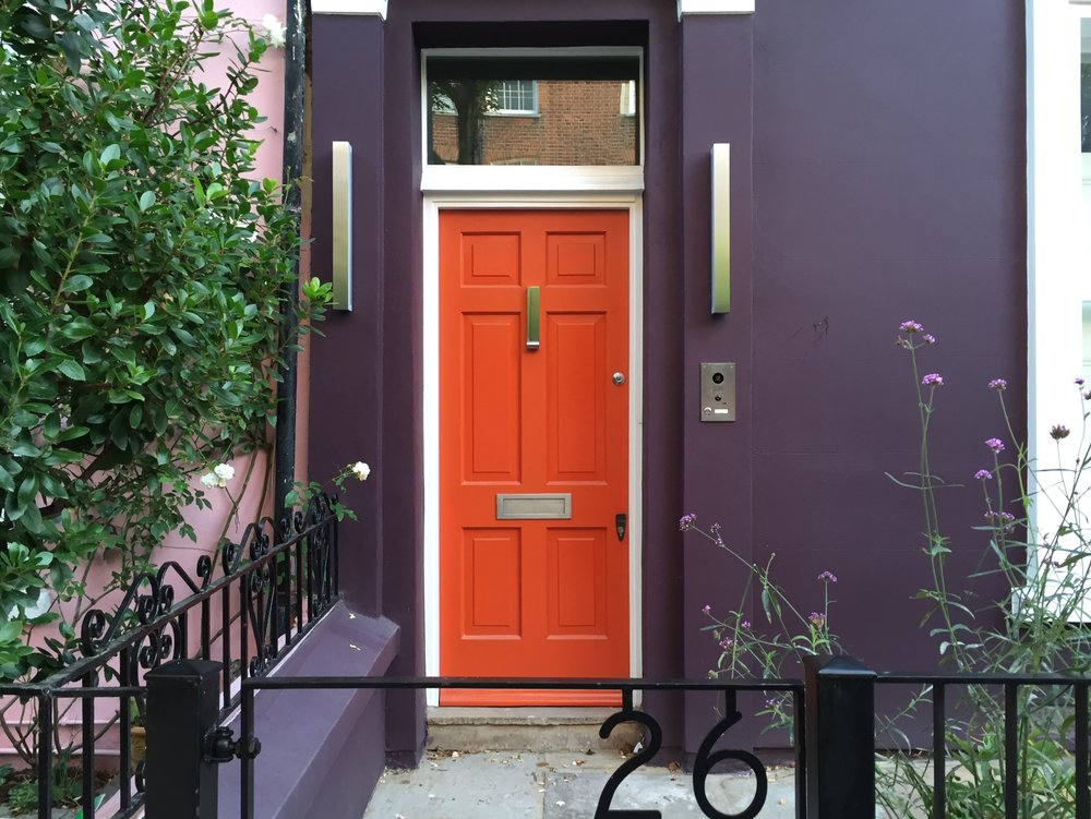 london-doors-nottinghill-orange-door- purple-house