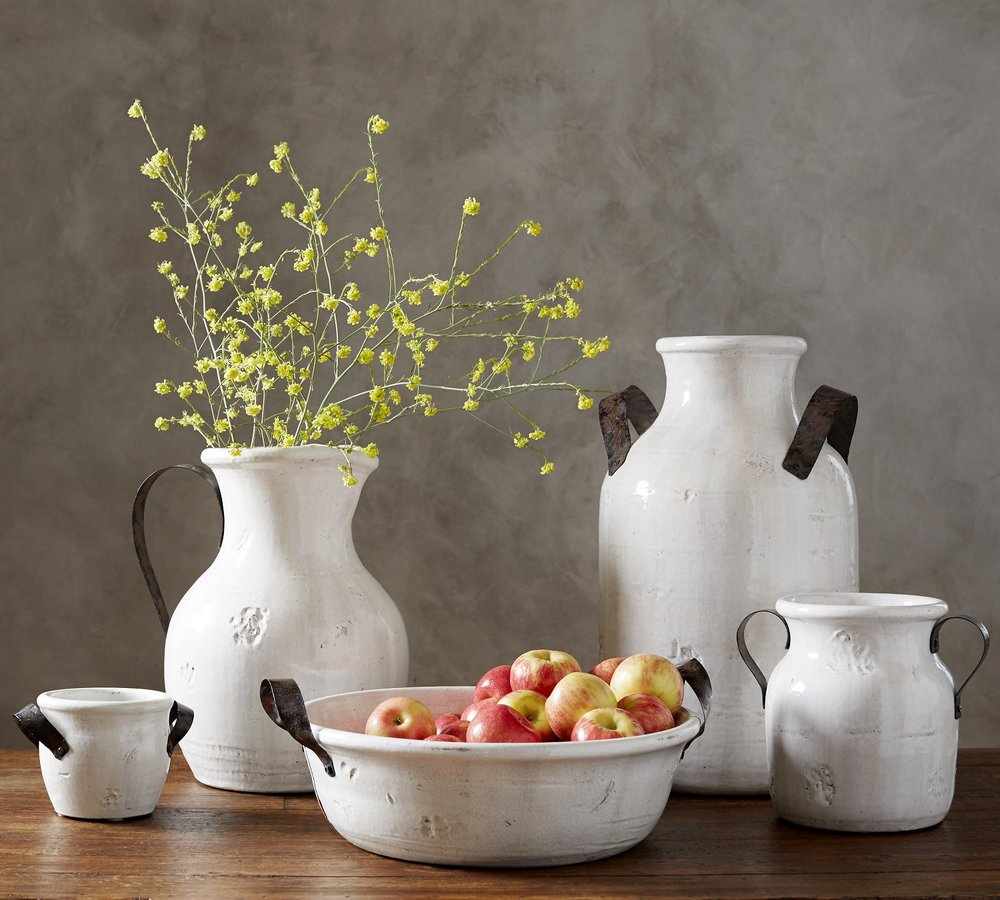 Keep it pretty and simple this Thanksgiving with handcrafted ceramics from Pottery Barn that let you bring nature into your home with botanicals and colorful fruit. Photo: Pottery Barn.