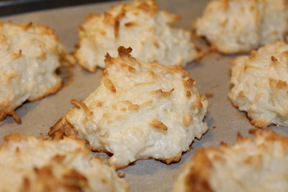 Sugar Free Coconut Macaroons