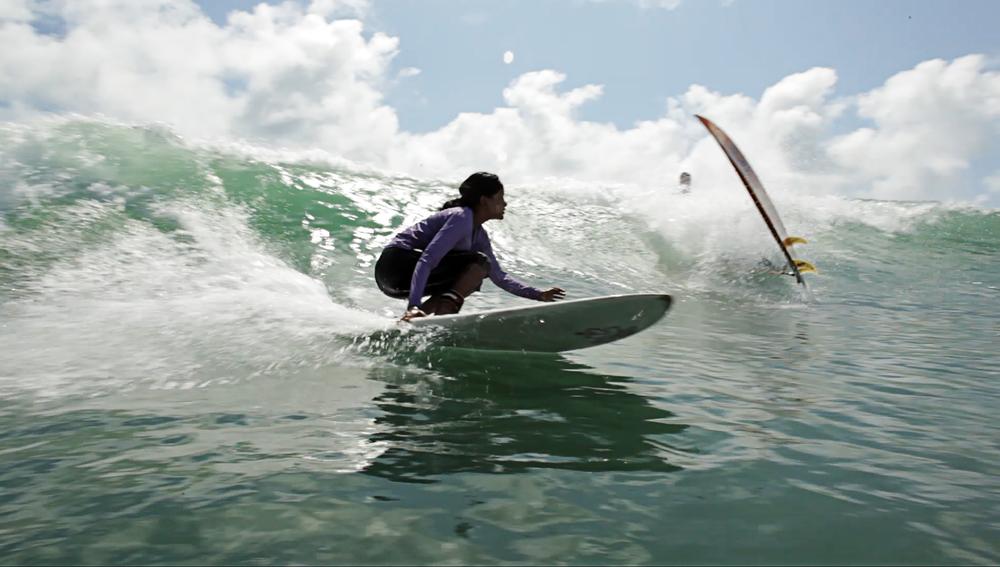 nasima_surf_ks16x20.jpg