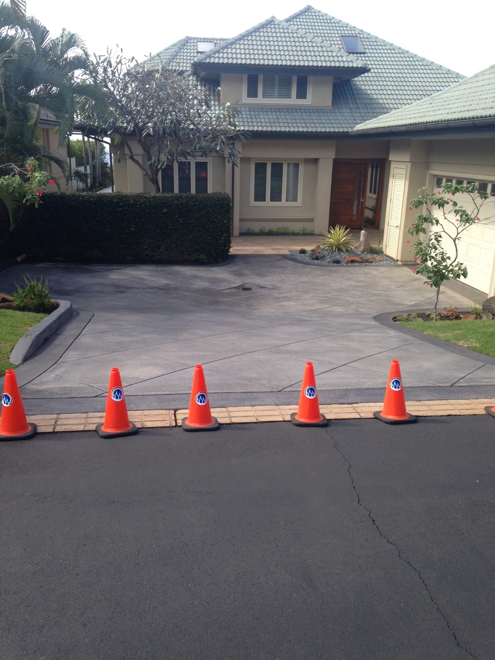 concrete driveway staining in Pineapple hill, kapalua