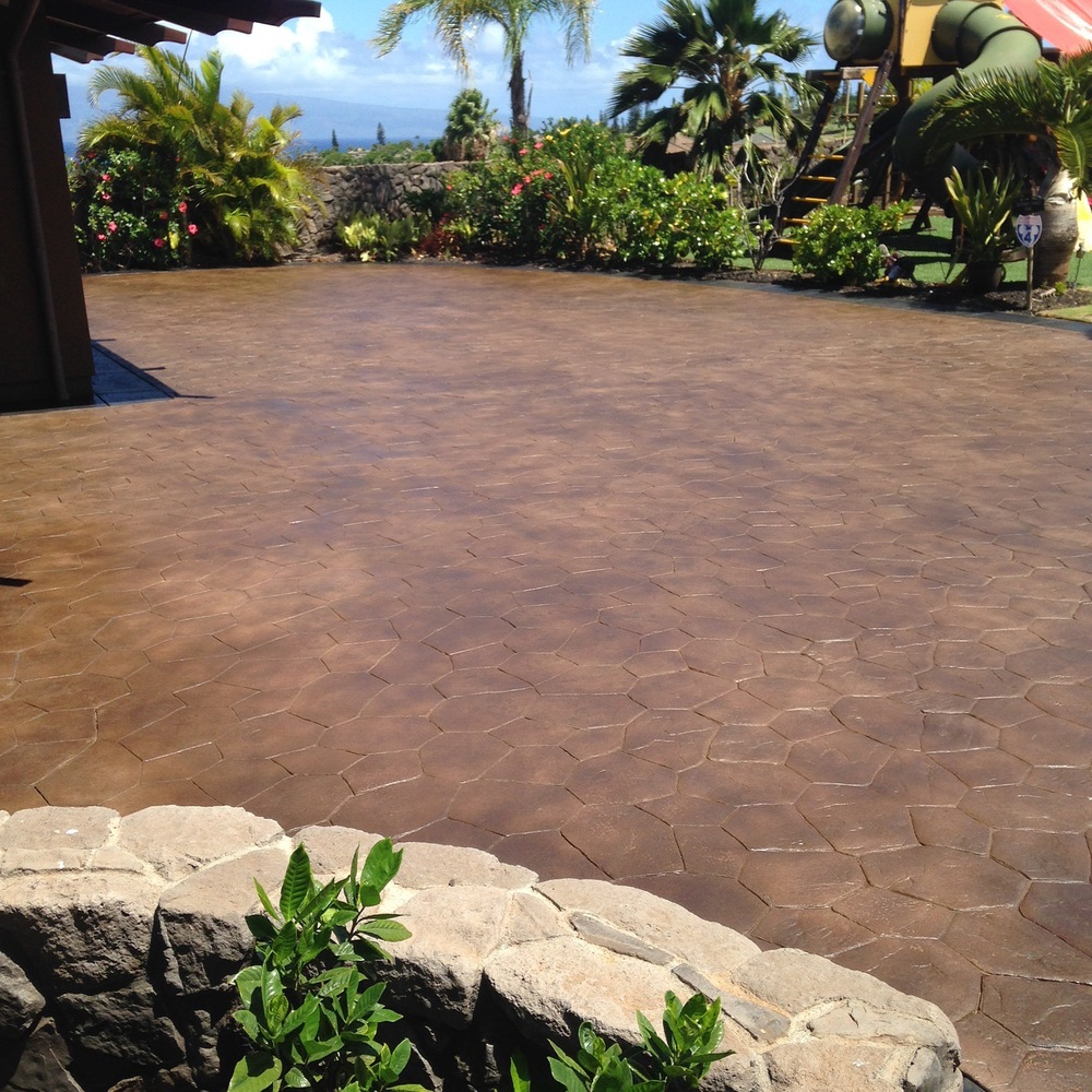 stained & sealed stamped concrete driveway, lanikeha, kaanapali